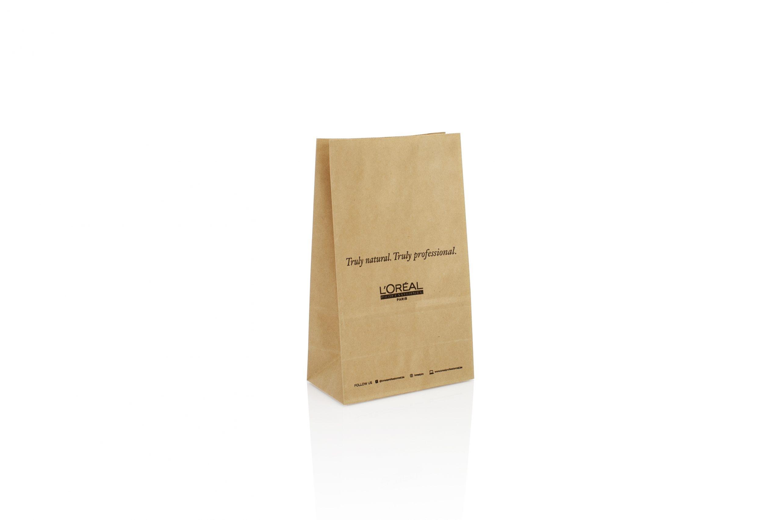Blokbodem papieren zakjes gepersonaliseerd met logo of bedrijfsnaam