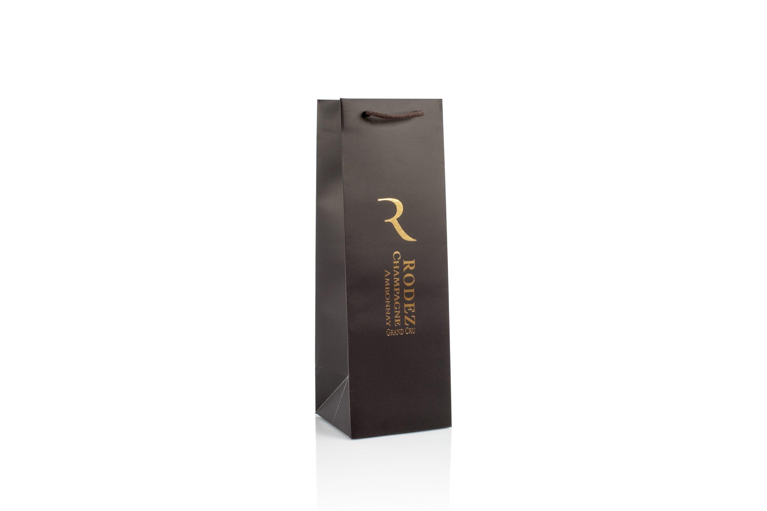 Wijnverpakking met logo in gouddruk