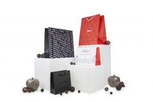 Draagtassen luxe papier bedrukt met logo ABC Pack Solutions fabrikant promotionele verpakkingen